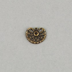 Filigree finding 18x15mm with a socket to strass