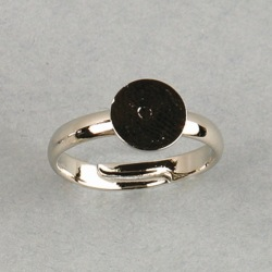 Adjustable ring with Ø 8mm flat base. Nickel plated.