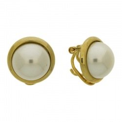 Earring with omega clip with half pearl Ø14mm