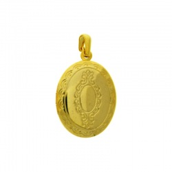 Oval box pendant 30x19mm