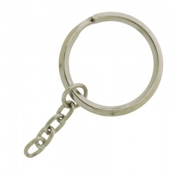 Keyring outside Ø 28mm with chain.